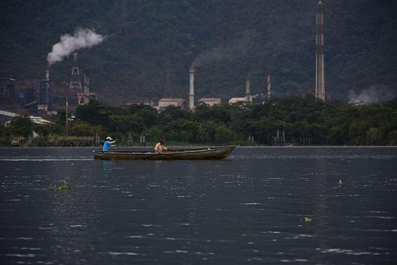 Planta procesadora de Níquel en lago de Izabal.