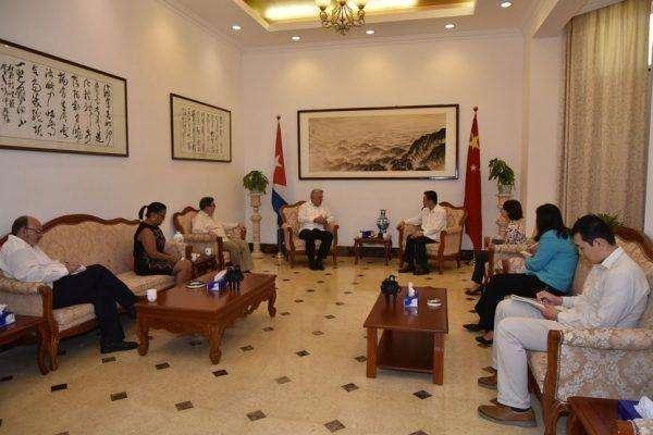 El presidente cubano, Miguel Díaz-Canel, resaltó este sábado el enorme sentido de responsabilidad de China con su pueblo y el mundo ante la epidemia del coronavirus Covid-19.